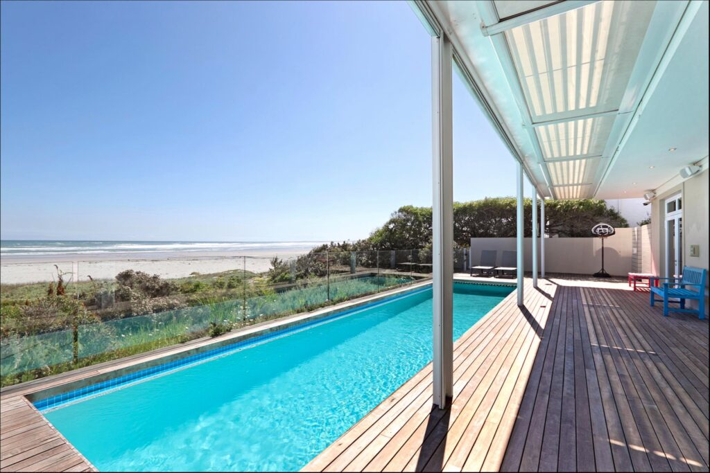 Beach house for sale at the kite spot